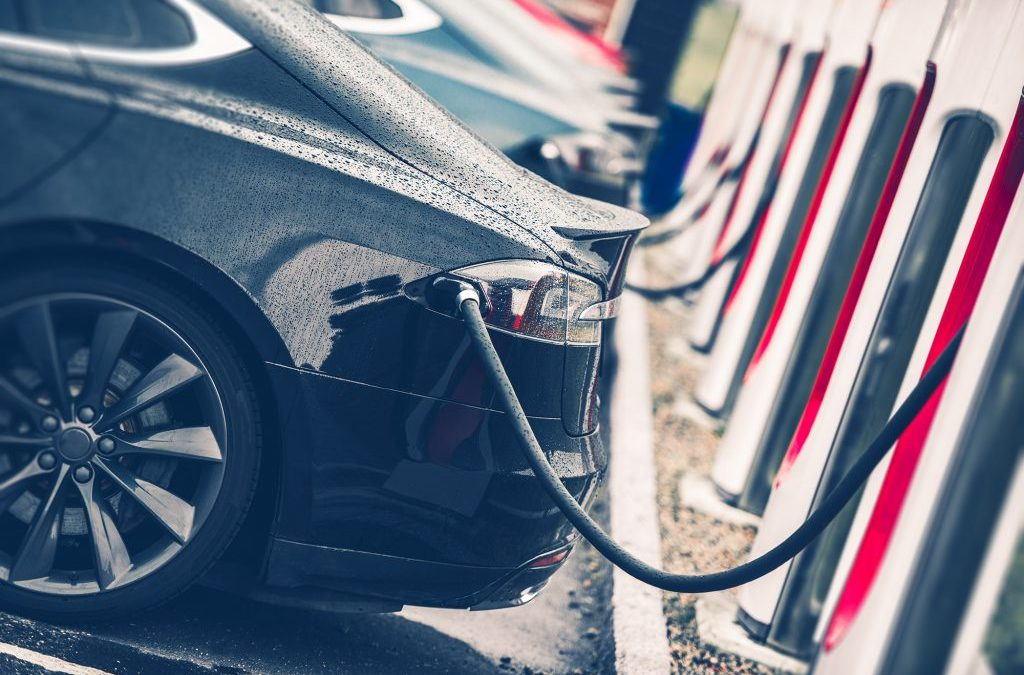 As electric cars turn transportation upside down, Canada is looking the other way: report